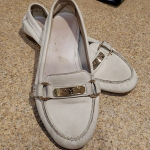 COACH CREME COLORED LEATHER LOAFERS  SIZE 7